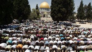 ISRAELE_-._PALESTINA_AL_AQSA_PRAYER