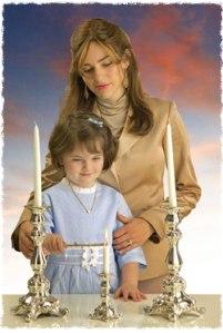 madre, hija, velas