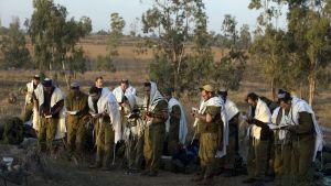 Soldados-israelies-rezando-shajarit